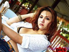 Outdoors photos of the gorgeous Asian superstar Sapphire Young