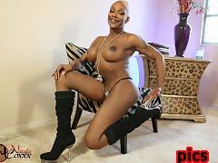 Ebony Natalia spreads & gets hard